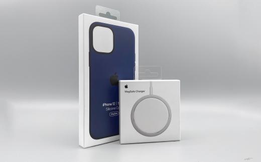 iPhone12硅胶手机壳以及MagSafe磁吸充电器