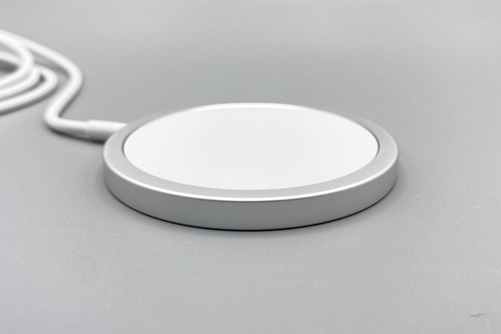 iPhone12硅胶手机壳以及MagSafe磁吸充电器插图2